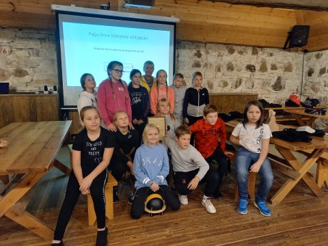 Algkooli vanuseklassis saavutasid esikoha Kose-Uuemõisa Lasteaed-Kooli 4. klassi lapsed, kelle võistlustööks oli Kose-Uuemõisa kabelist joonistatud pildist meisterdatud pusle ja kabelist inspireeritud regilaul.