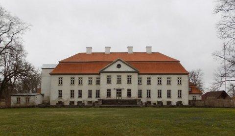 Pildil Suuremõisa mõisa peahoone. Foto Katrin Koit